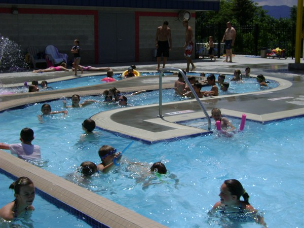 2009 Summer Pool Pictures 071